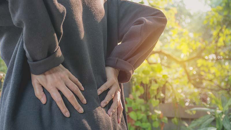 Morbus Bechterew – Diese Behandlungsmöglichkeiten können helfen!